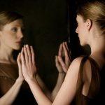 気になる人は、私の鏡